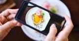 В сети люди чаще делятся здоровыми рецептами, а в жизни готовят вредную еду