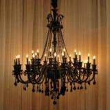 Люстра со свечами: описание, разновидности, применение в интерьере, выбор цвета и рекомендации дизайнеров